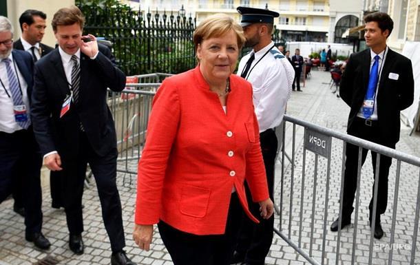 Меркель анонсувала нормандську зустріч у Парижі