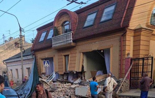 В центре Черновцов обрушился дом
