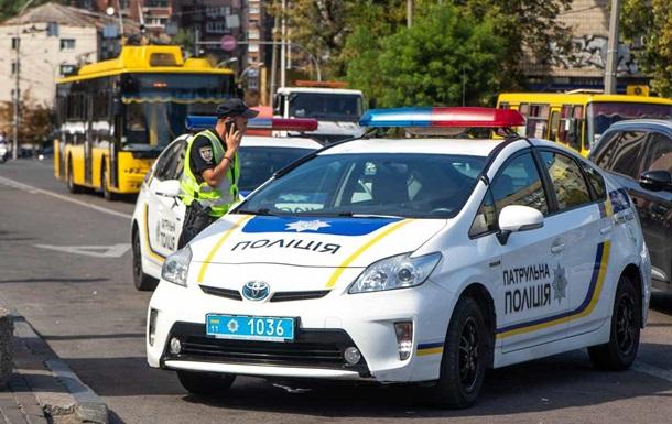 В Киеве водитель Hyundai сбил полицейского и скрылся