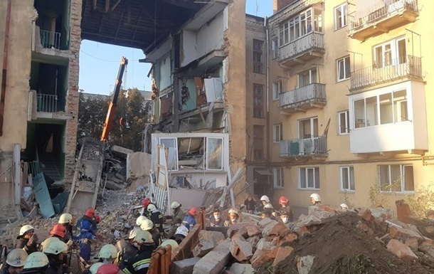 Зеленский обещает аудит домов из-за ЧП в Дрогобыче