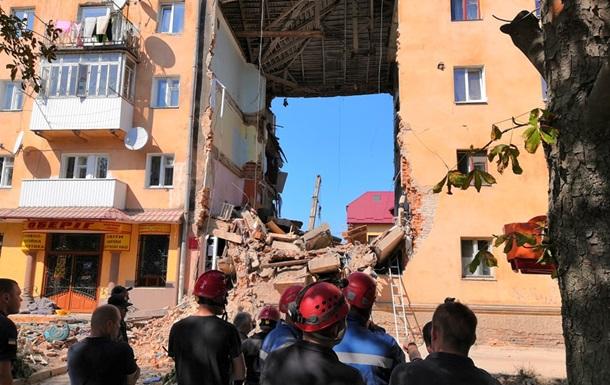 Взрыв в Дрогобыче: в доме рухнула верхняя плита