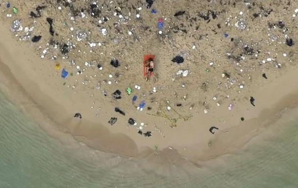 PornHub випустив відео із сексом заради порятунку пляжів