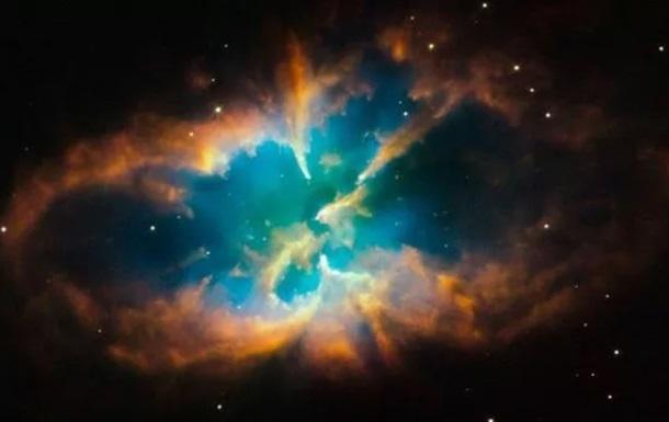 Hubble зняв зачарувальне світіння вмираючої зірки