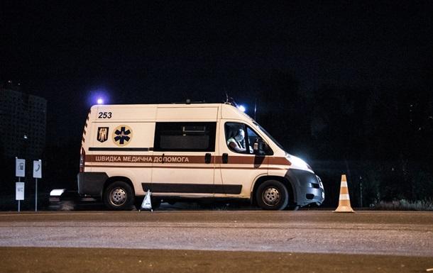 У Києві чоловіка збили вантажівка й автобус