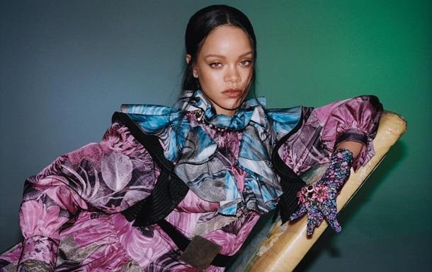 Рианна снялась в красочных образах для Vogue