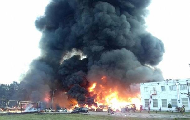 Под Львовом крупный пожар на предприятии