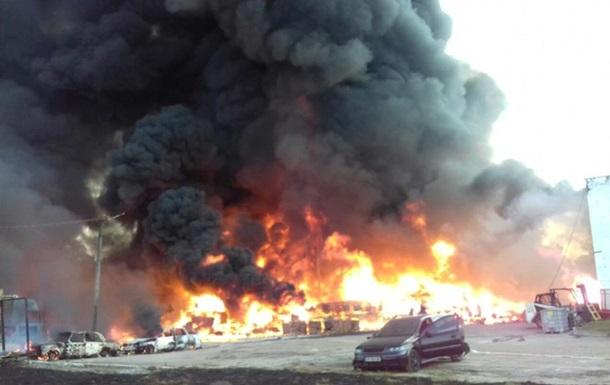 Пожежу на хімпідприємстві на Львівщині ліквідовано