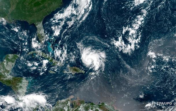 Ураган Доріан посилився до четвертого ступеня