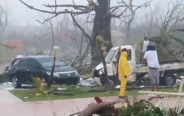 Ураган Доріан ослаб на шляху до США