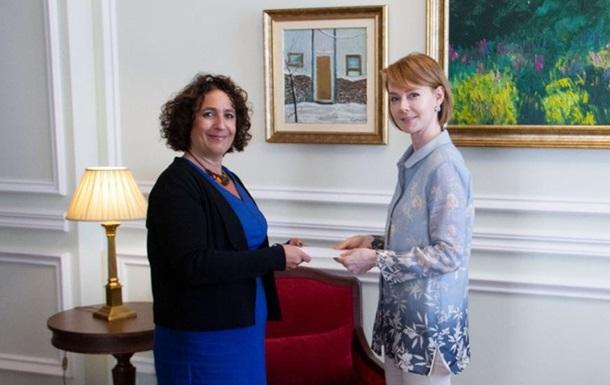 Новий посол Британії розпочала роботу в Україні