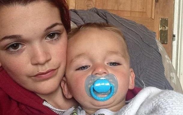 Мужчина раздавил ребенка сидением машины