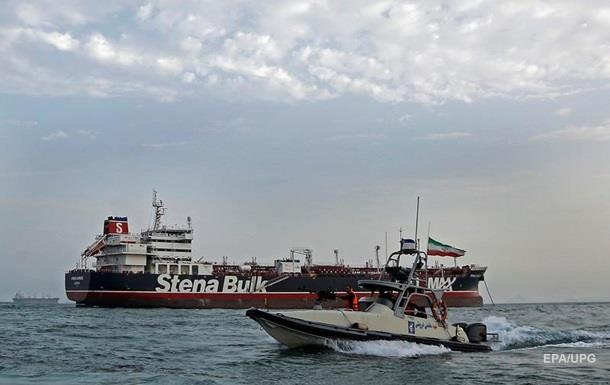 Иран освободил семь членов экипажа британского танкера