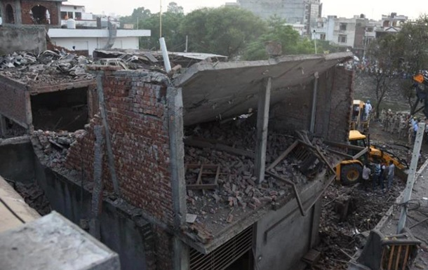 Взрыв на заводе в Индии: 22 погибших