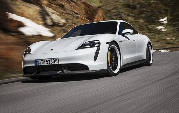 Компания Porsche выпустил первый серийный электрокар