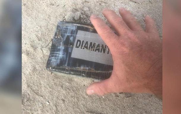 Ураган Доріан виніс на берег Флориди пакети з кокаїном
