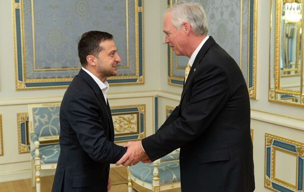 Сенаторы США и Зеленский обсудили военную помощь