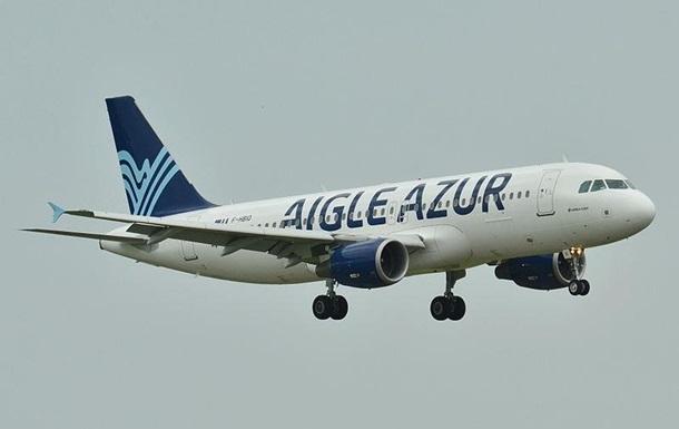 У Франції велика авіакомпанія скасувала всі рейси