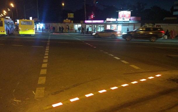 У Києві з явився перший пішохідний перехід з LED-бруківкою