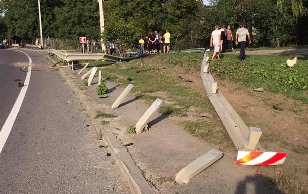 На Львівщині двоє людей загинули в ДТП