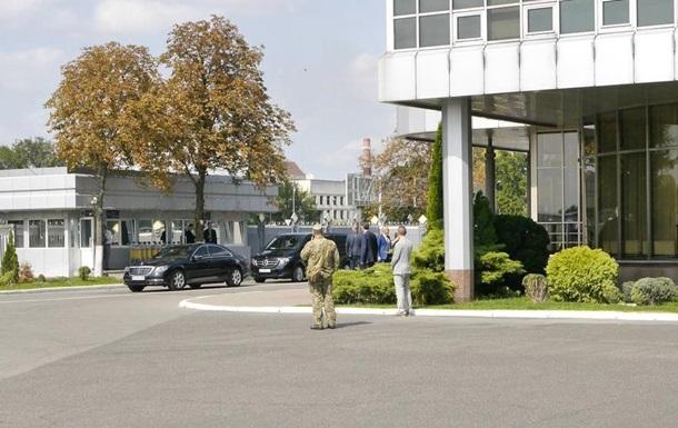 Зеленский приехал в аэропорт Борисполь
