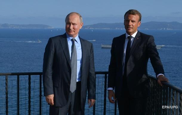 Макрон и Путин обсудили переговоры по Украине