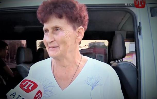 До Сенцова з Криму приїхали мама і син