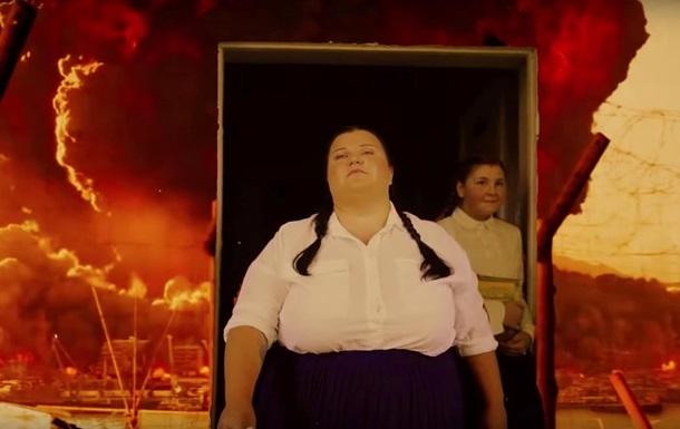 Alyona Alyona выпустила клип Буллинг