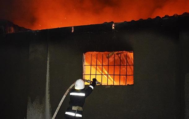 На складах в Николаеве произошел масштабный пожар