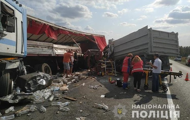 Под Тернополем столкнулись грузовки, есть жертва