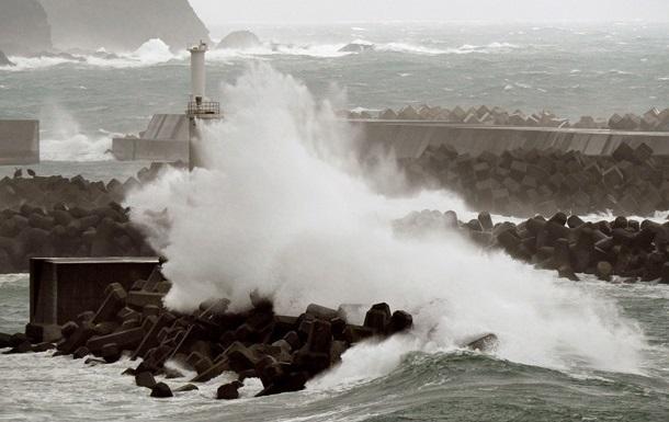 Почти 500 тысяч домов под Токио остались без света из-за тайфуна