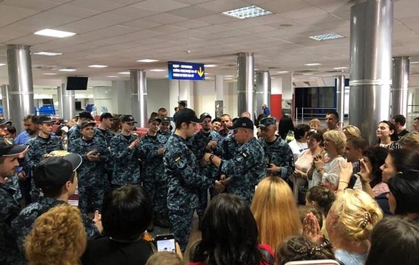 Освобожденные украинцы получат по сто тысяч гривен
