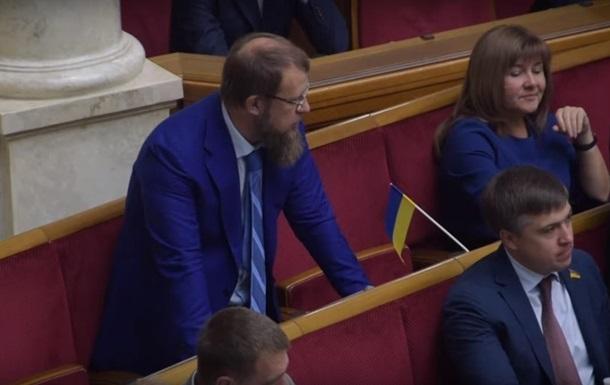 Разумков відреагував на перший випадок кнопкодавства у новій Раді