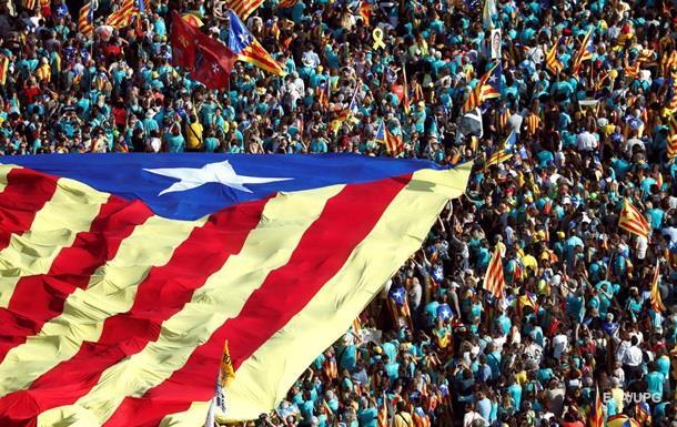На мітингу в Барселоні спалили прапор Іспанії