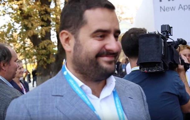 Юрист, який зіграв весілля у Сен-Тропе, розповів про взаємини з Богданом