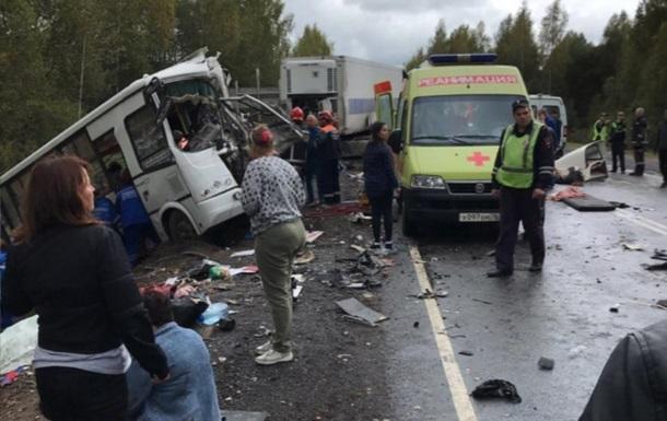 У Росії під Ярославлем у ДТП загинули семеро людей