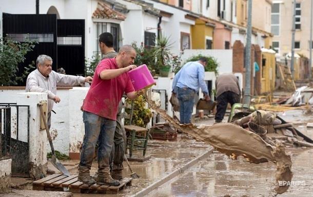 В Испании пять человек погибли в результате наводнения