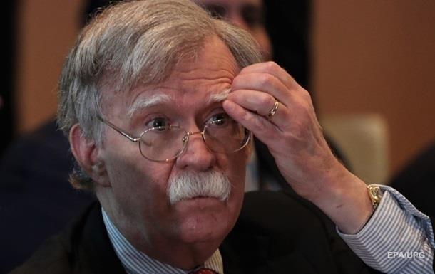 Трамп уволил Болтона из-за санкций против Ирана – СМИ