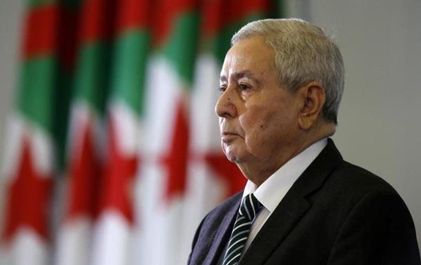 Президентські вибори в Алжирі призначені на 12 грудня