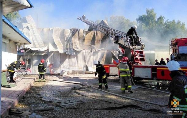На Тернопольщине горело предприятие по производству подсолнечного масла