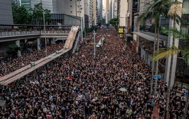 Гонконг — треснувшая витрина