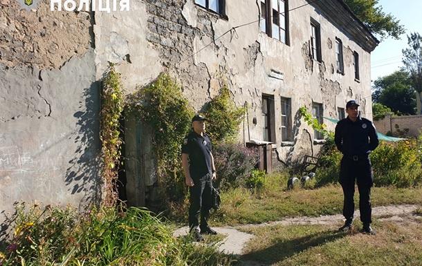 У Лисичанську в багатоквартирному будинку завалився дах