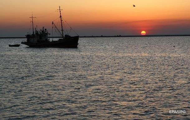 В Азовском море почернела вода