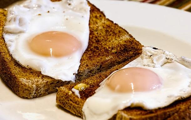 Вчені спростували небезпеку вживання яєць