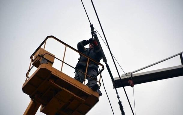 На Донбассе поселок Пески подключили к электроснабжению