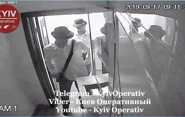 В Киеве  стиляги  на Porsche ограбили обменник