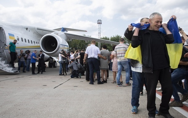 Освобожденным украинцам навсегда запретили въезд в Россию - адвокат