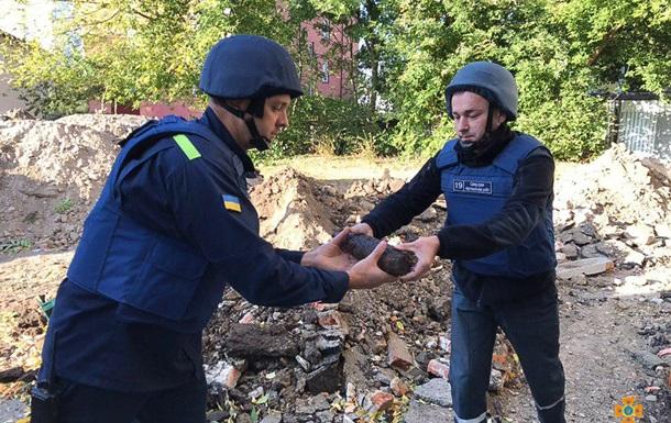 Сотню артснарядів виявили на території школи в Тернополі