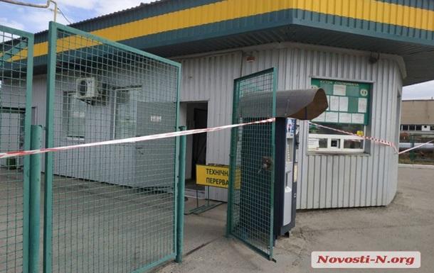 На заправці в Миколаєві знайшли три трупи