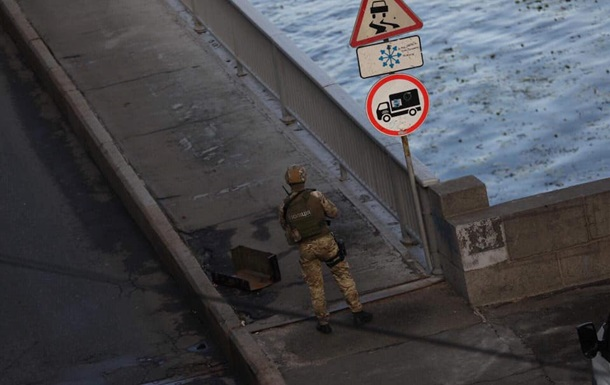 Захват моста: злоумышленник сбил дрон копов