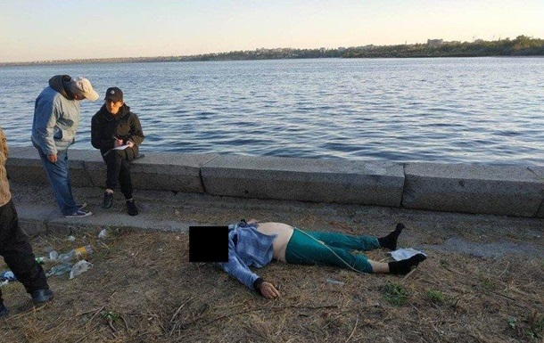У Миколаєві чоловік стрибнув з мосту в річку і загинув